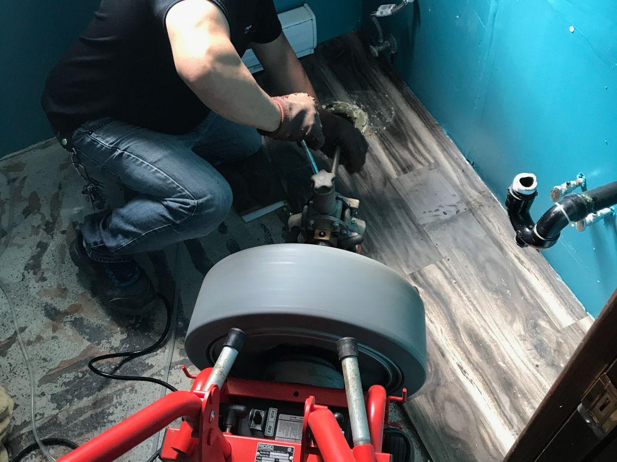 https://linkplumbing.ca/wp-content/uploads/2020/10/drain-cleaning-burnaby-3.jpg